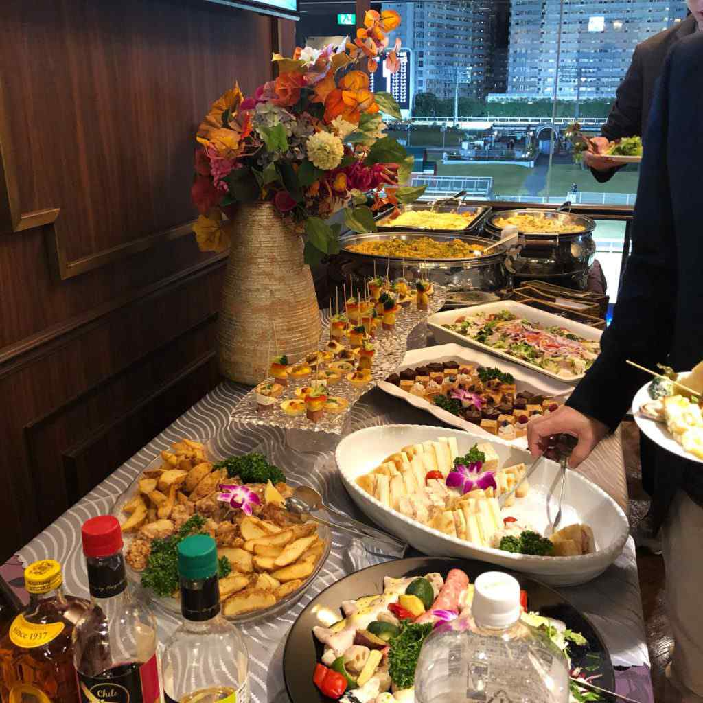 川崎競馬場の貴賓室の食事