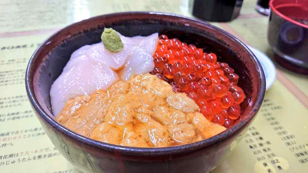 函館市内で食べた海鮮丼