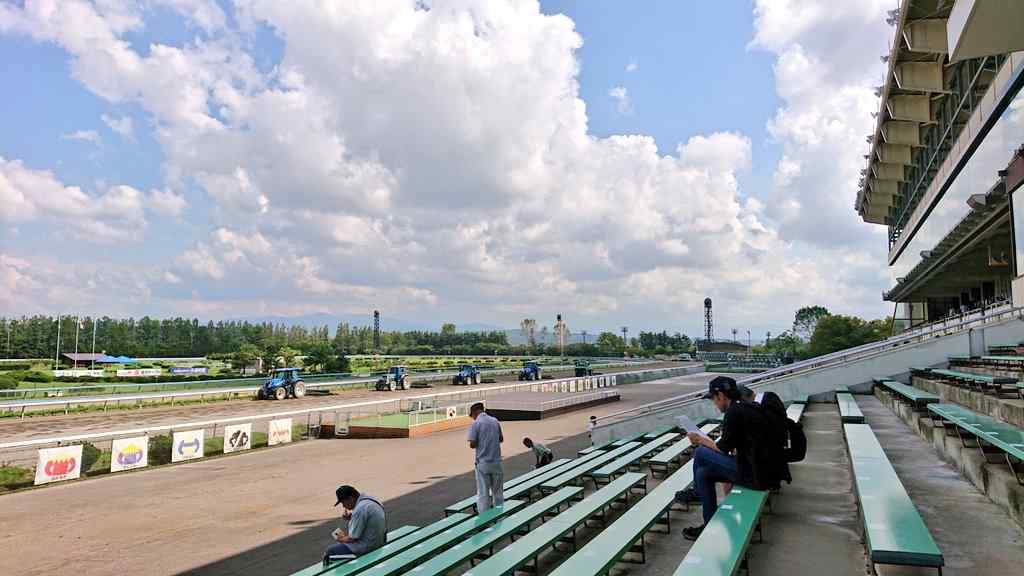 夏の終りの金沢競馬場